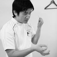 カポス院長(秋澤英樹)